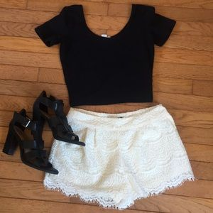 NWOT gorgeous Lace shorts